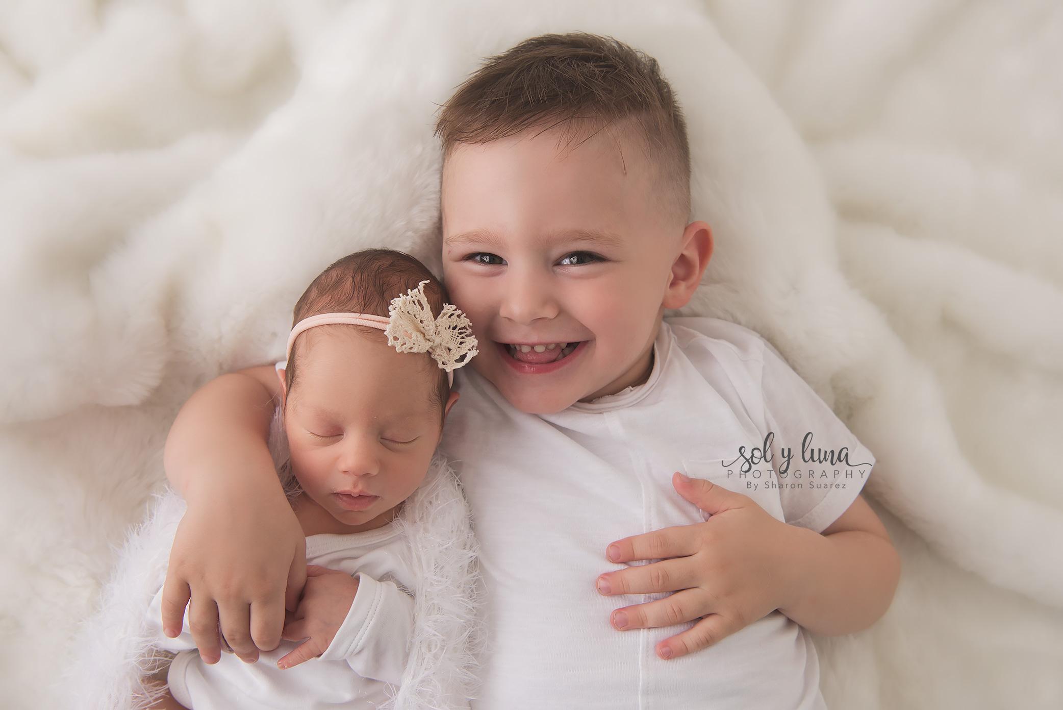 Newborn und Familie